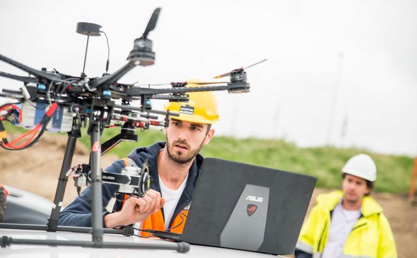 Coverstory in OTAR: Vliegensvlug landmeten metdrones